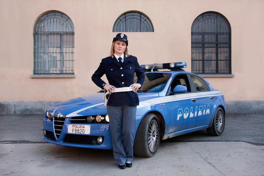 http://www.lauraportinaro.com/files/gimgs/46_maria-teresa-volpato--poliziotta.jpg