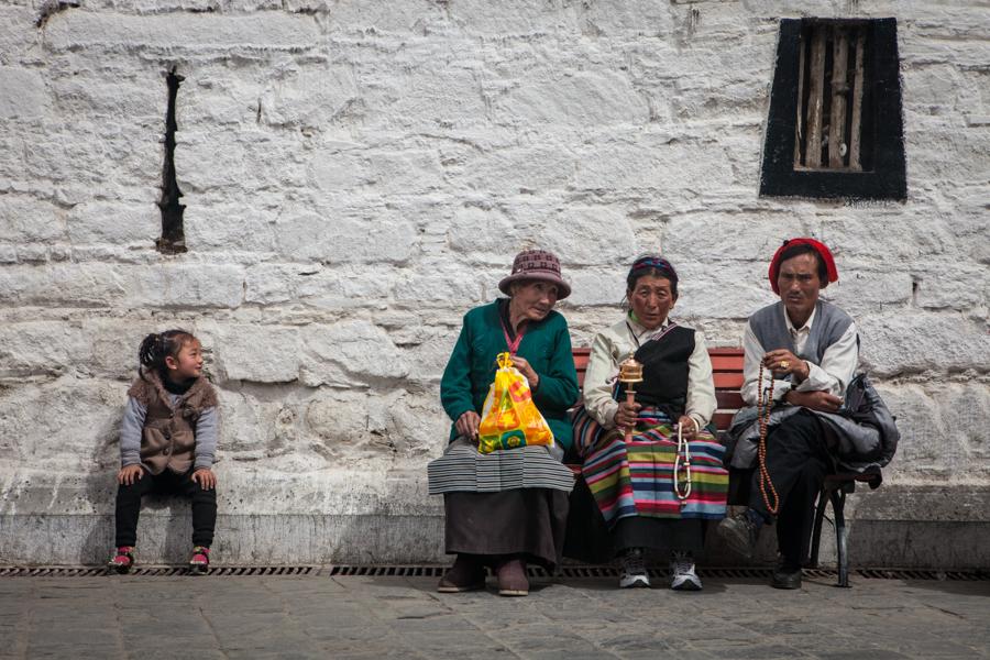 http://www.lauraportinaro.com/files/gimgs/69_buddhist-pilgrims.jpg