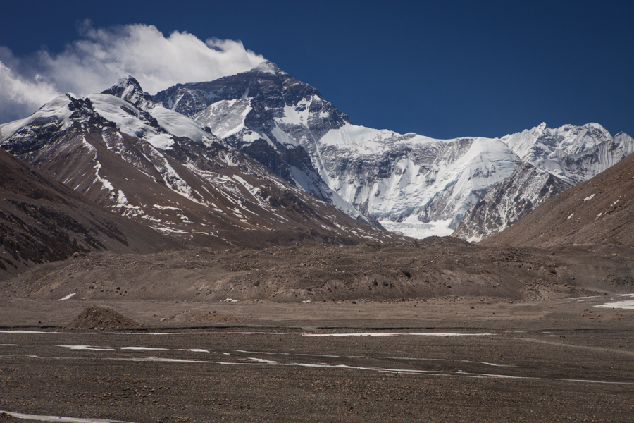 http://www.lauraportinaro.com/files/gimgs/69_everest-view-from-the-everest-base-camp.jpg