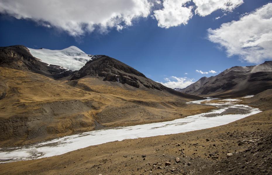 http://www.lauraportinaro.com/files/gimgs/69_on-the-way-to-karola-glacier.jpg