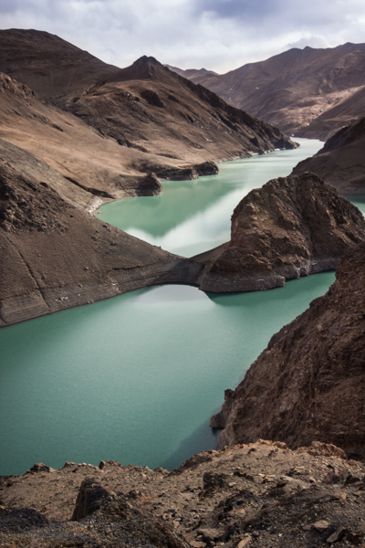 http://www.lauraportinaro.com/files/gimgs/69_sacred-yamdrok-lake.jpg