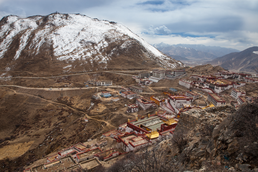 http://www.lauraportinaro.com/files/gimgs/69_view-from-the-top-on-ganden-monastery.jpg
